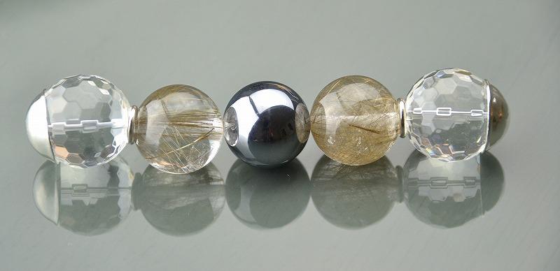 R1808023 テラヘルツ・ブロンズルチルクォーツ・カット水晶